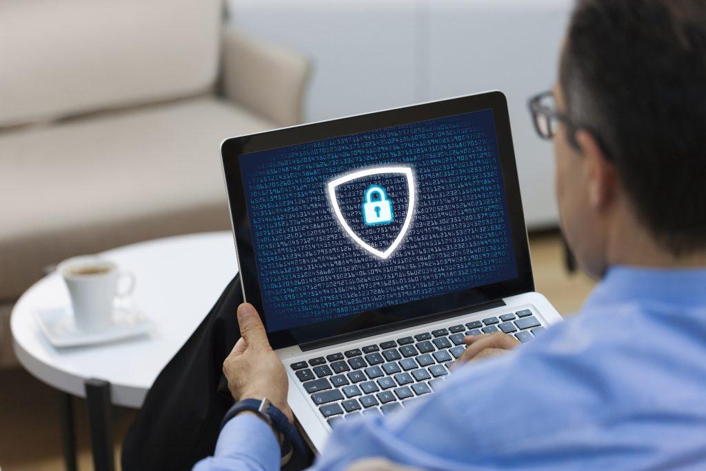 lock-on-laptop